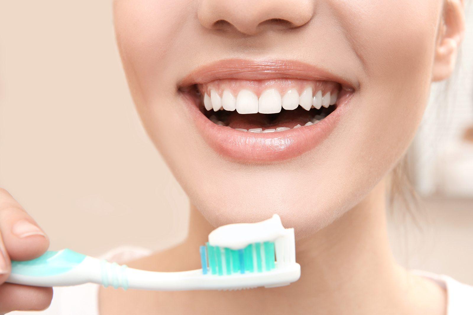 Diş Fırçası Seçiminde Nelere Dikkat Edilmeli?